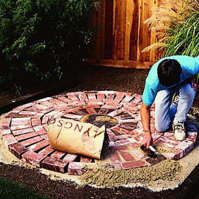 Patio aanleggen stappenplan zelf tuinieren for Disenar un jardin rustico
